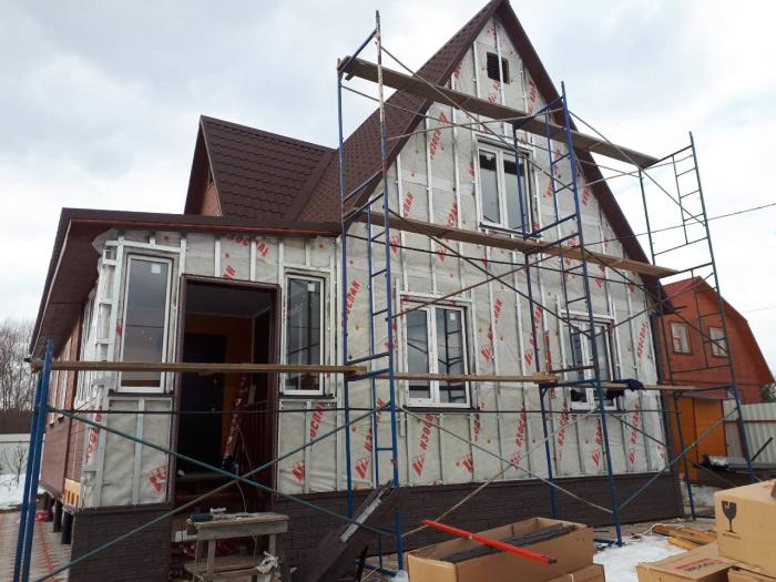 Монтаж металлической обрешетки на фасад
