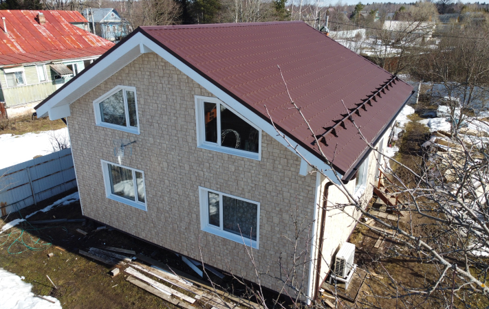Вид на оформленный дом сверху