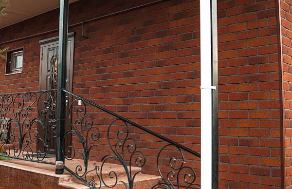 Терракотовый оттенок фасадной плитки